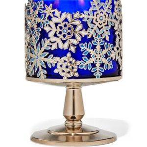 Jeweled snowflakes candle holder